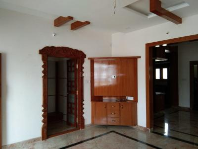 Gallery Cover Image of 1700 Sq.ft 3 BHK Apartment for buy in Rajajinagar for 13000000