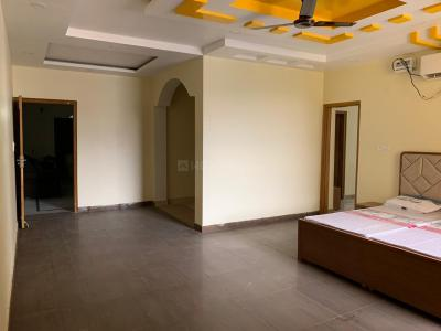 Gallery Cover Image of 1550 Sq.ft 3 BHK Apartment for rent in Sector 62 for 22000