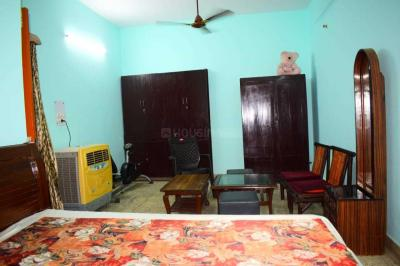 Gallery Cover Image of 650 Sq.ft 1 RK Independent Floor for rent in Tagore Garden Extension for 14000
