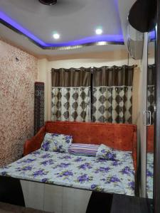 Gallery Cover Image of 1200 Sq.ft 3 BHK Apartment for rent in Tiljala for 16000