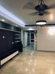 Gallery Cover Image of 2450 Sq.ft 4 BHK Apartment for rent in Sector 121 for 50000
