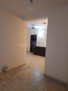Gallery Cover Image of 1240 Sq.ft 2 BHK Apartment for rent in Metropark Shaurya Apartments, Sector 62 for 13000