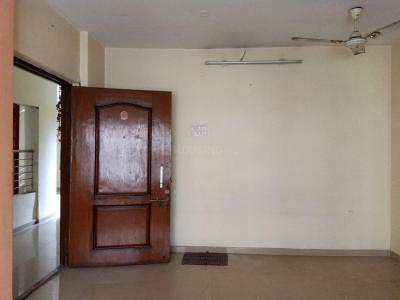 Gallery Cover Image of 635 Sq.ft 1 BHK Apartment for rent in Kandivali East for 19500