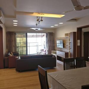 Gallery Cover Image of 850 Sq.ft 2 BHK Apartment for rent in Andheri West for 70000