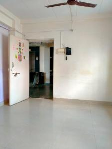 Gallery Cover Image of 420 Sq.ft 1 BHK Apartment for rent in Mahada New Tower, Malad West for 14750
