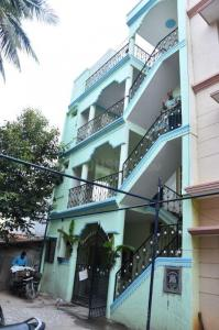 Gallery Cover Image of 3000 Sq.ft 8 BHK Independent House for buy in JP Nagar for 15000000