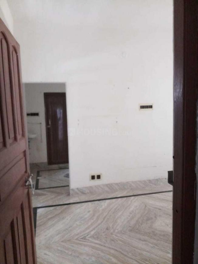 Main Entrance Image of 750 Sq.ft 2 BHK Apartment for rent in Netaji Nagar for 8500