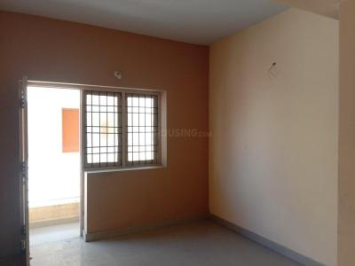 Gallery Cover Image of 975 Sq.ft 2 BHK Apartment for buy in Iyyappanthangal for 3700000
