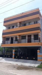 Gallery Cover Image of 1400 Sq.ft 2 BHK Apartment for rent in Urapakkam for 12000