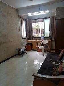 Gallery Cover Image of 550 Sq.ft 1 BHK Apartment for buy in Borivali West for 13000000