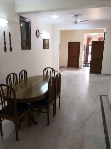 Gallery Cover Image of 4850 Sq.ft 3 BHK Independent Floor for rent in Sector 11 for 22000
