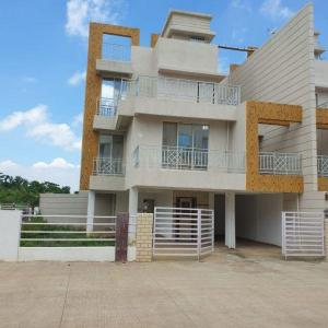 Gallery Cover Image of 3500 Sq.ft 4 BHK Independent House for buy in Suyog Nagar, Vasai West for 26500000