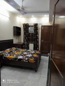 Gallery Cover Image of 880 Sq.ft 4 BHK Independent Floor for buy in Rajinder Nagar for 13500000
