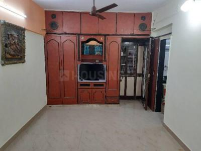 Gallery Cover Image of 430 Sq.ft 1 BHK Apartment for rent in Alka Apartment, Kandivali East for 20000