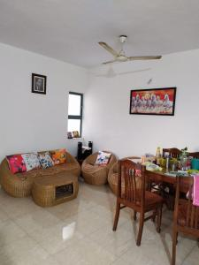 Gallery Cover Image of 1750 Sq.ft 3 BHK Apartment for rent in Clover Park View, Koregaon Park for 37000
