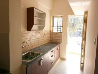 Gallery Cover Image of 600 Sq.ft 1 BHK Apartment for rent in Arjun Mahatej Apartment, Marathahalli for 14800