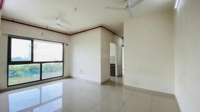 Gallery Cover Image of 625 Sq.ft 2 BHK Apartment for rent in Kalpataru Aura, Ghatkopar West for 40000
