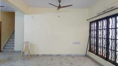 Gallery Cover Image of 2000 Sq.ft 3 BHK Apartment for rent in Naveen Terraces, Ejipura for 45000