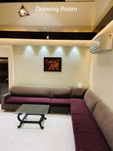 Gallery Cover Image of 3000 Sq.ft 4 BHK Apartment for buy in Goyal Terrace, Bodakdev for 25000000