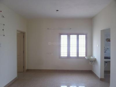 Gallery Cover Image of 1000 Sq.ft 3 BHK Apartment for rent in Kolapakkam - Porur for 13000