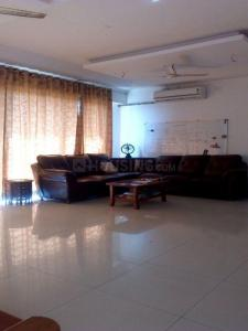 Gallery Cover Image of 1740 Sq.ft 3 BHK Apartment for rent in Goregaon West for 65000