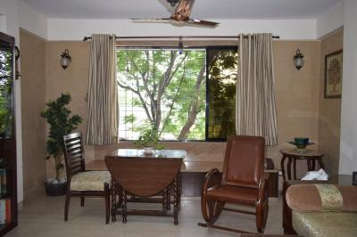 Gallery Cover Image of 1080 Sq.ft 2 BHK Apartment for buy in Juhu for 30000000