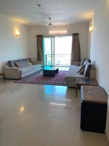 Gallery Cover Image of 2120 Sq.ft 3 BHK Apartment for rent in Prahlad Nagar for 42000