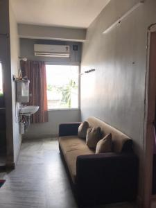 Gallery Cover Image of 750 Sq.ft 2 BHK Apartment for buy in Asha Apartment, South Dum Dum for 2600000