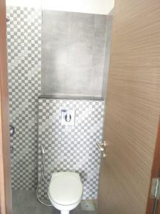 Gallery Cover Image of 680 Sq.ft 2 BHK Apartment for rent in Godrej Prime, Chembur for 40000
