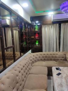 Gallery Cover Image of 2000 Sq.ft 3 BHK Apartment for rent in Kalyan West for 45000