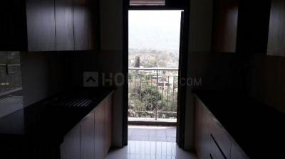 Gallery Cover Image of 750 Sq.ft 1 BHK Apartment for rent in Essgee Yash Residency, Byculla for 50000