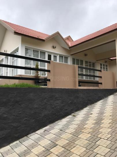 Building Image of 4356 Sq.ft 3 BHK Villa for buy in West Mere for 17500000
