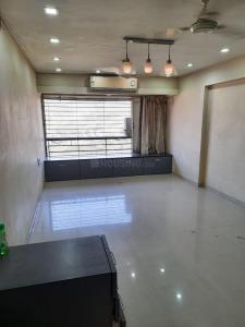 Gallery Cover Image of 1280 Sq.ft 3 BHK Apartment for rent in Lokhandwala Highland, Kandivali East for 43000