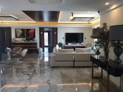 Gallery Cover Image of 1600 Sq.ft 2 BHK Apartment for rent in Malabar Hill for 250000