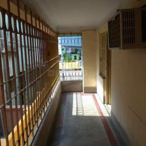 Gallery Cover Image of 950 Sq.ft 2 BHK Independent Floor for rent in Lake Town for 15000