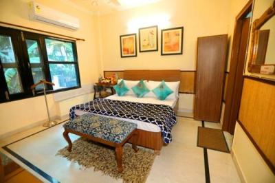 Bedroom Image of Girls PG In Sant Nagar East Of Kailash New Delhi in Alpha I Greater Noida