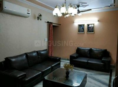 Gallery Cover Image of 1350 Sq.ft 2 BHK Apartment for rent in Sector 4 Dwarka for 30000