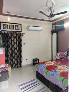 Gallery Cover Image of 1800 Sq.ft 6 BHK Independent House for buy in Bharthal for 4000000