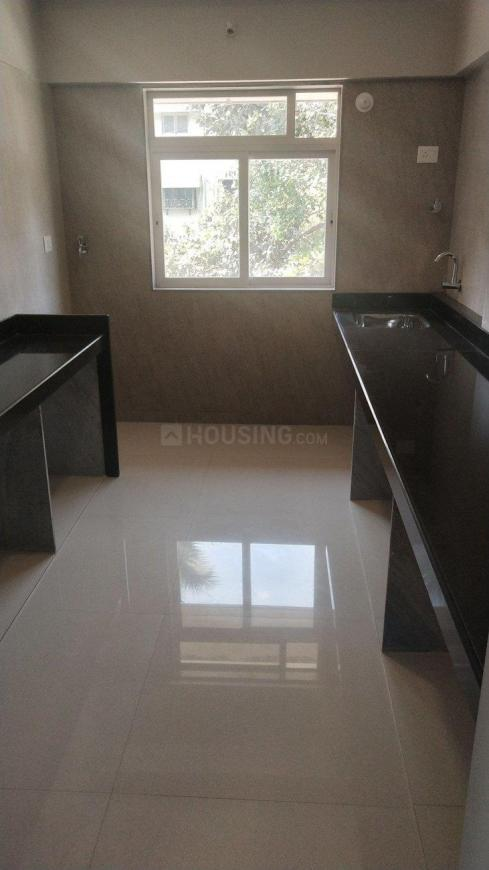 Kitchen Image of 900 Sq.ft 2 BHK Apartment for buy in Malad West for 15100000