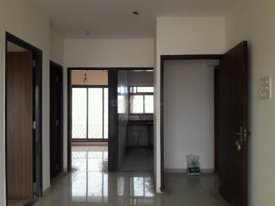 Gallery Cover Image of 750 Sq.ft 2 BHK Apartment for buy in Malad West for 9800000