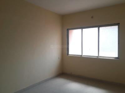 Gallery Cover Image of 650 Sq.ft 1 BHK Apartment for buy in Malad East for 8300000