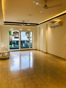 Gallery Cover Image of 1950 Sq.ft 3 BHK Independent Floor for buy in Sector 52 for 24500000