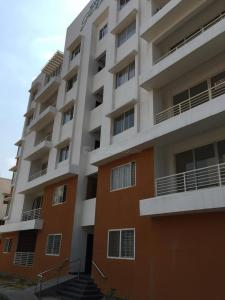 Gallery Cover Image of 1480 Sq.ft 3 BHK Apartment for buy in Daredia Sky Garden, Kompally for 6200000
