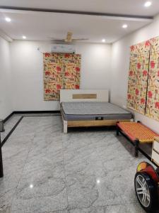 Gallery Cover Image of 5020 Sq.ft 4 BHK Villa for buy in Aditya Empress Park, Toli Chowki for 75100000