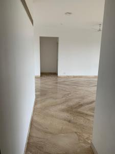 Gallery Cover Image of 3800 Sq.ft 4 BHK Apartment for rent in Hadapsar for 70000