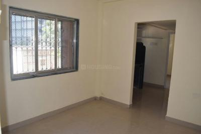 Gallery Cover Image of 410 Sq.ft 1 BHK Apartment for rent in Malad West for 14500
