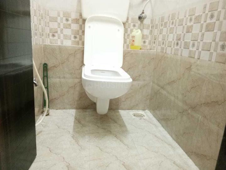 Common Bathroom Image of 610 Sq.ft 1 BHK Apartment for rent in Lower Parel for 37000