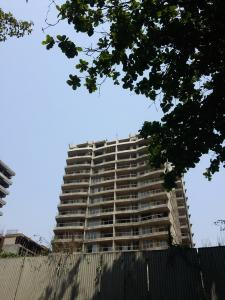 Gallery Cover Image of 720 Sq.ft 2 BHK Apartment for buy in Andheri West for 13900000
