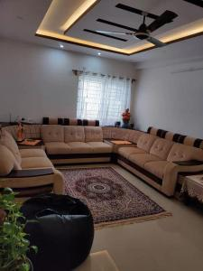 Gallery Cover Image of 1655 Sq.ft 3 BHK Apartment for rent in Jana Jeeva Orchid, Margondanahalli for 27000