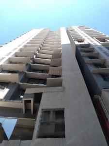 Gallery Cover Image of 884 Sq.ft 2 BHK Apartment for buy in Andheri West for 21000000